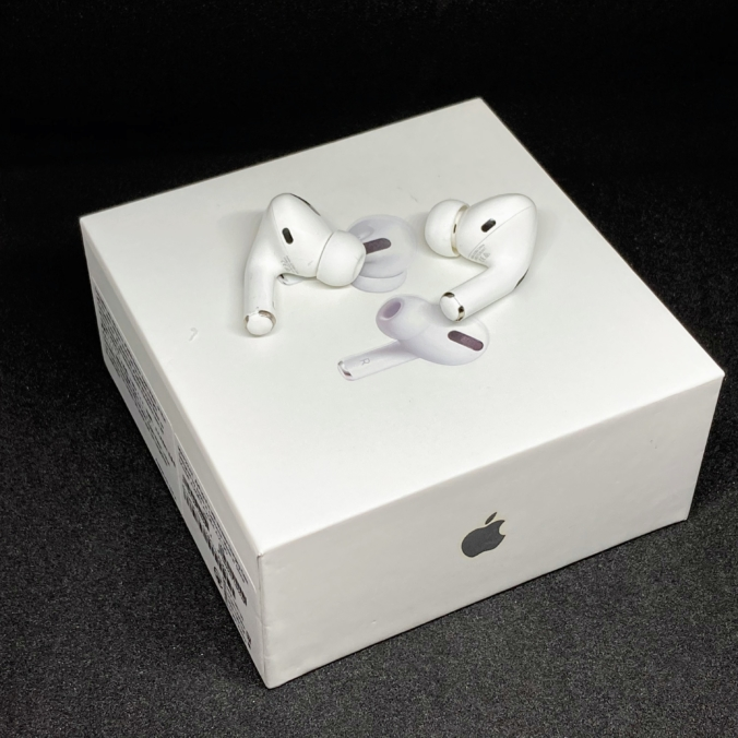AirPods Proと箱